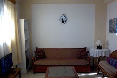 2 bedroom apt.near beach wi-fi - Chios - Lakás