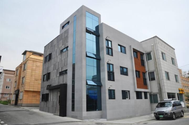 속초 조양동의 전문 건축가와 디자이너가 만든 모던한 개인룸
