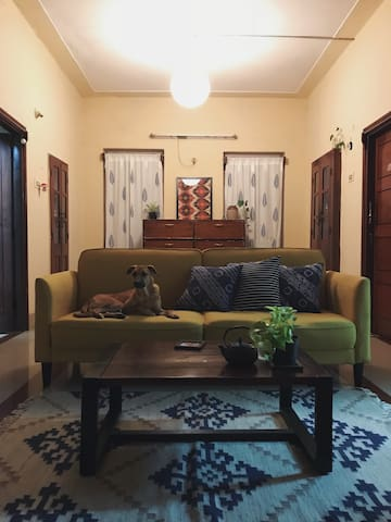 Cosy home 3 kms from MG Road/Indiranagar for women