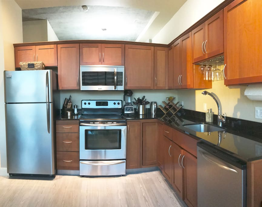 Fully ready-to-cook kitchen