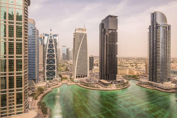 1-Bedroom Luxury Apartment with Lake View and Pool - Dubai - Appartement