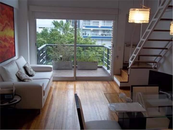 Moderno Duplex doble altura zona Belgrano/Nuñez