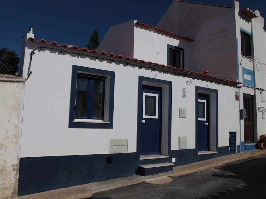 Casa Sto. António, Located in the center of Zambujeira on a quiet street (you may park your car in front of the door) on a very short walk from the beach and the Fisherman's way (Rota Vicentina) at 50 m from the bakery, 2 minuts from the Tourist Office (on the Tourist Office you have WI-FI for free), also only at 50 m from the best restaurant of the village (Costa Alentejana).