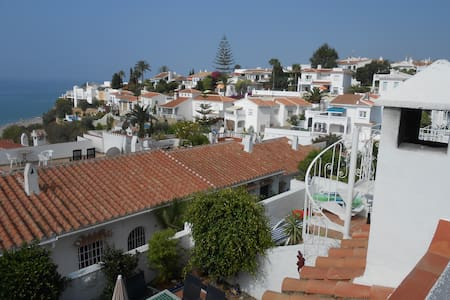 Luxurious, 2 bed, 2 bath open plan holiday villa - Nerja - Villa