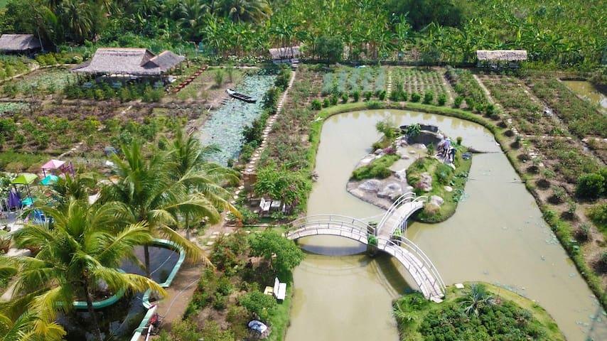 Peaceful Flower Garden Homestay in Mekong Delta