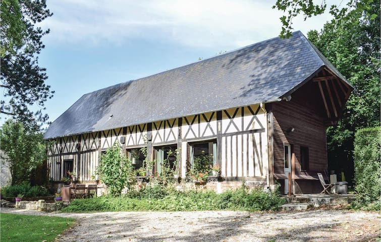 Holiday cottage with 1 bedroom on 85m² in TOUFFREVILLE-CORBELINE