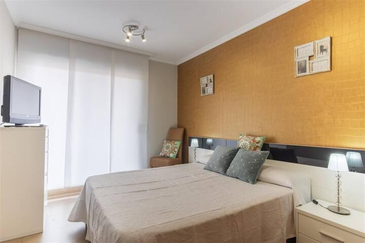 Dormitorio, en la foto aparece una cama pero tiene dos de 90 cm.