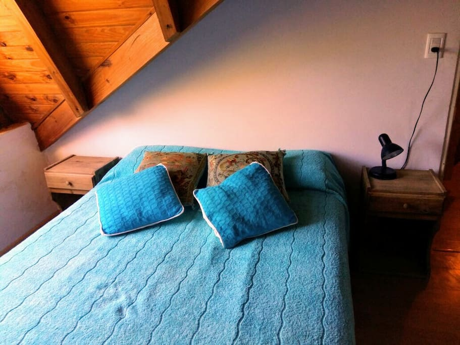 Habitación con cama matrimonial en Planta Alta