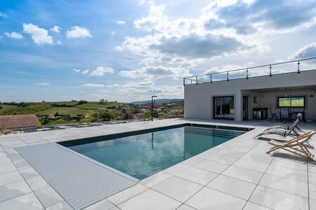 Studio avec piscine, vignoble beaujolais