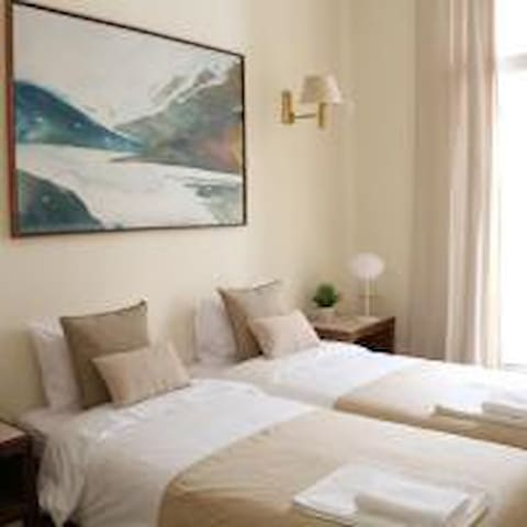 Double Room in the heart of Lisbon with Breakfast
