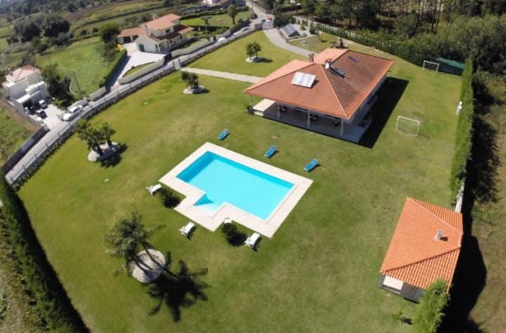 Villa Vieira  mansao de estilo perto do mar
