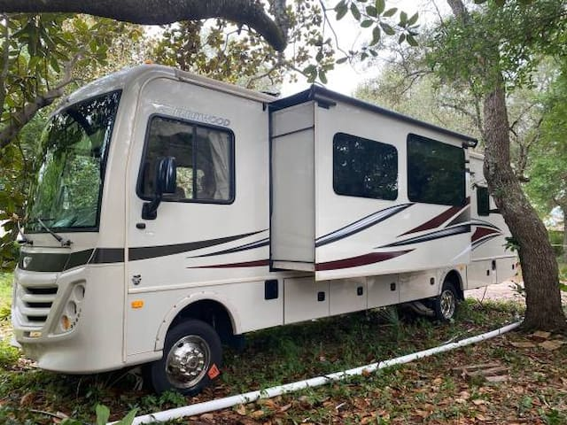 Travel/Tailgate in Style ~ 32' Fleetwood Flair RV