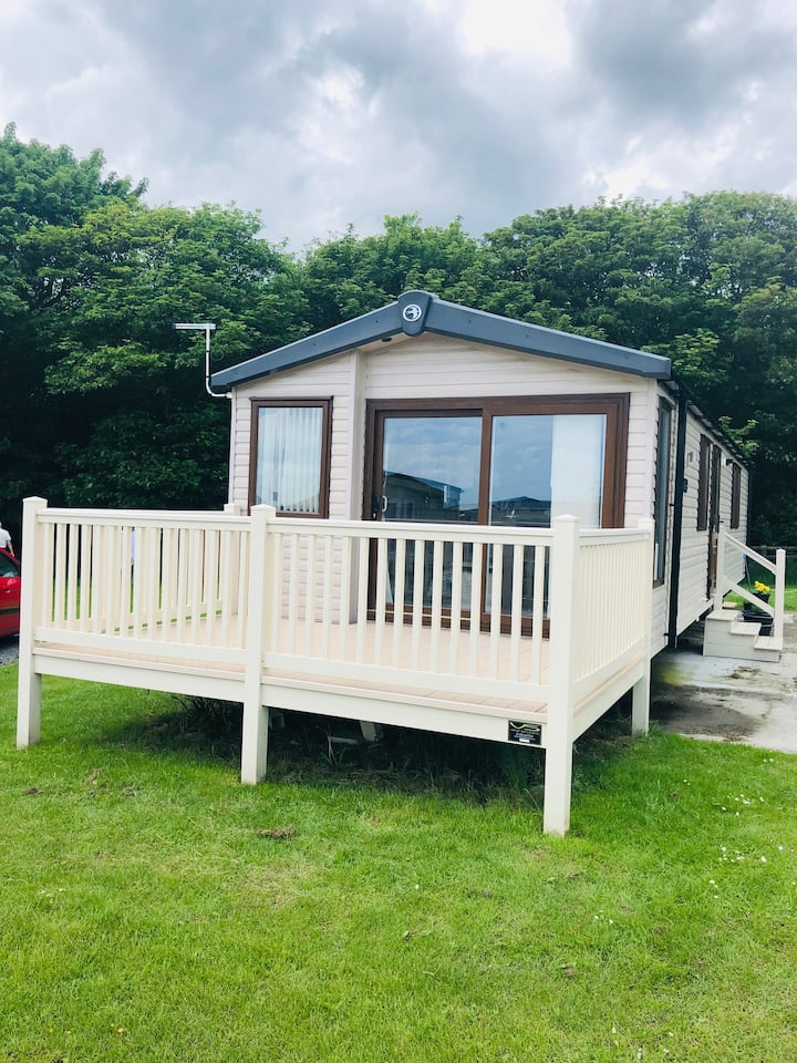 Luxury 3 bedroomed holiday home 5*Sand Le Mere mw