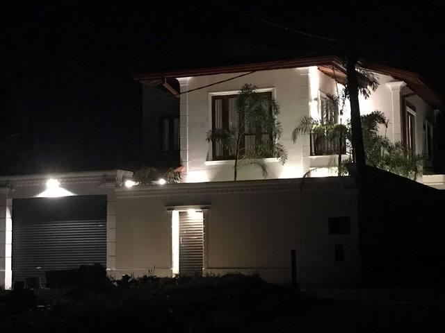 Bungalow house at Athurugiriya -Sri Lanka-Colombo