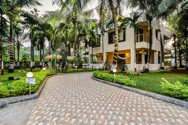 Premium Luxury Villa in the Palm grove