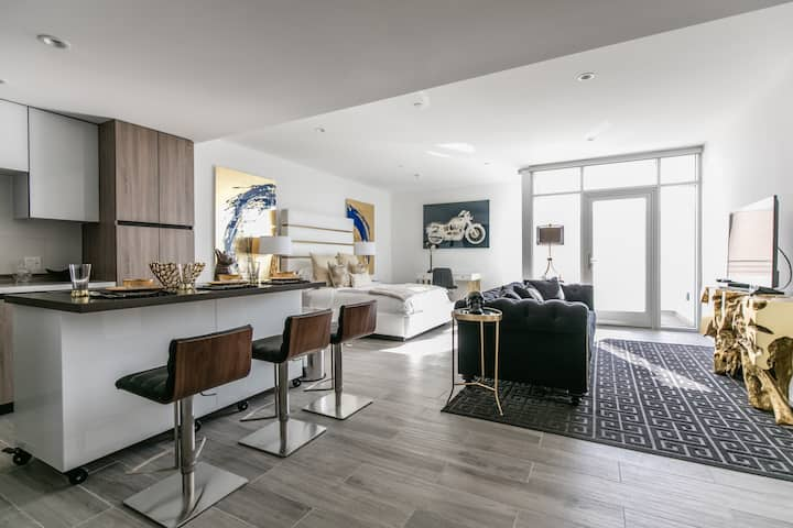 Contemporary HOLLYWOOD Glam Pad 8