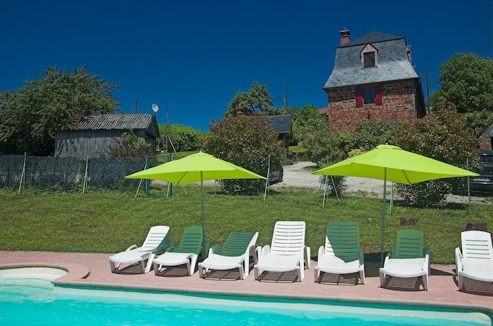 Le Pré Collonges - Gîte 250m² avec piscine (4*)