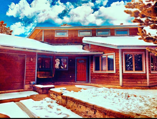 LUXURY SNOWBOWL BASECAMP IN THE HEART OF FLAGSTAFF