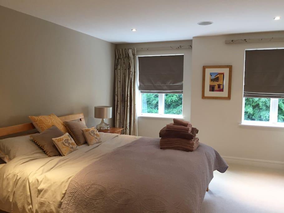 Master bedroom -super king bed