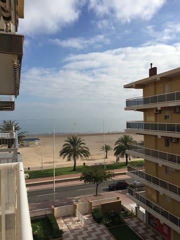 Alquilo apartamento en primera linea de playa - Gandia - Appartement