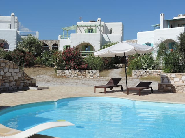 Archipelagos villas-Villa Naxos for 8-11 with pool