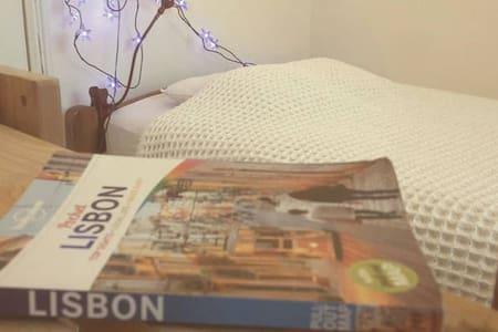 *LisbonIntheSkywithDiamonds* - Lisboa - Lakás