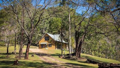 Bracken Cottage - bush getaway in the Bega Valley