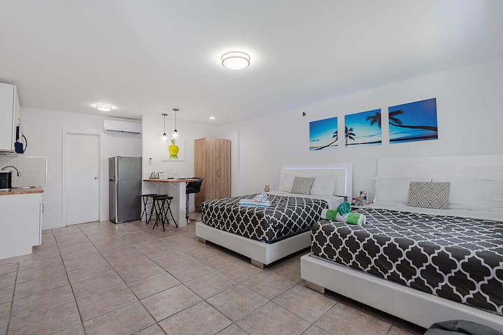 Large Studio Suite Close to Beach and Casino