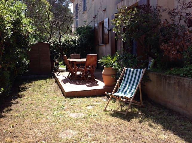 T2 sur jardin à 100 m de la plage - Saint-Cyr-sur-Mer - Apartmen