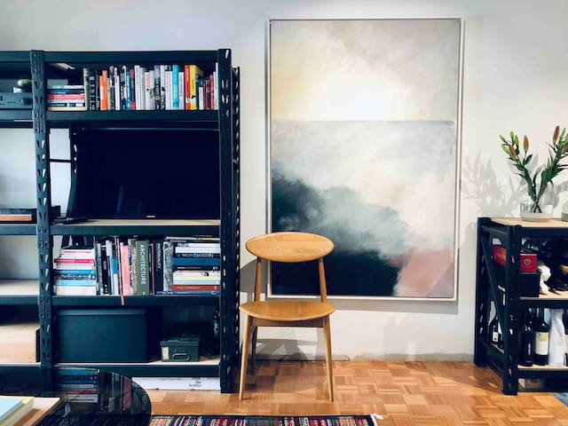 Designer Studio Apartment -Parking, Netflix, WIFI