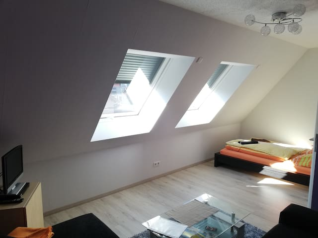 ruhiges gemütliches Dachgeschosszimmer +Frühstück