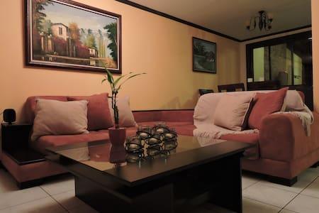 Cozy Home - San Pablo - Ev