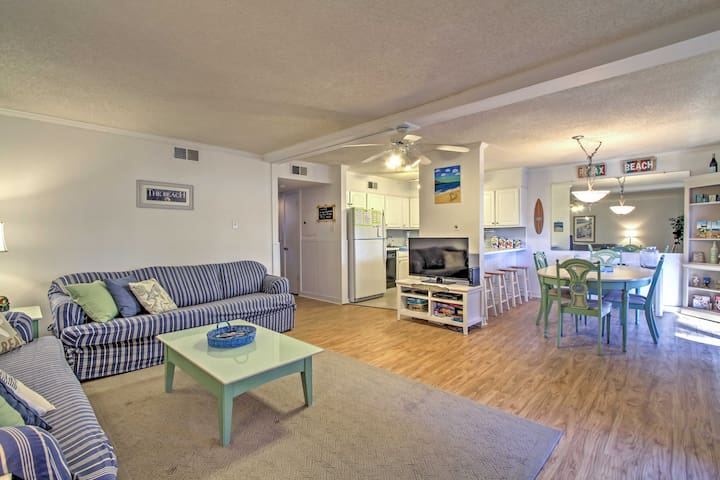 Ocean City Condo w/ Pool Access - Walk to Beach!