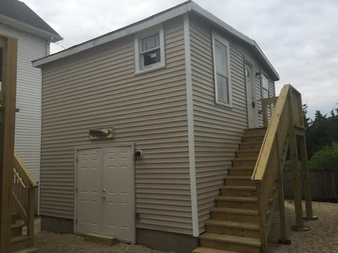 Rent the Guest House Three Blocks from the Beach!