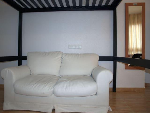 Salón-Dormitorio