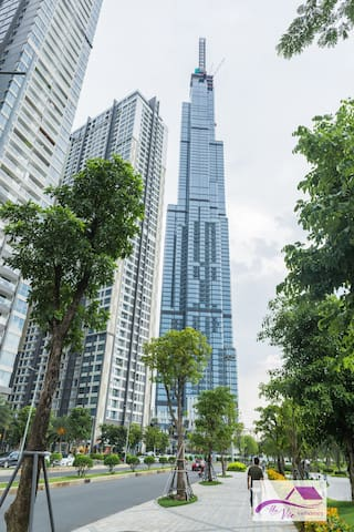 Vinhomes -- Landmark81 View & High Floor/1 Bedroom