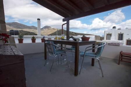 Traditional counrtyhouse near Gramvousa beach - Azogiras - Villa