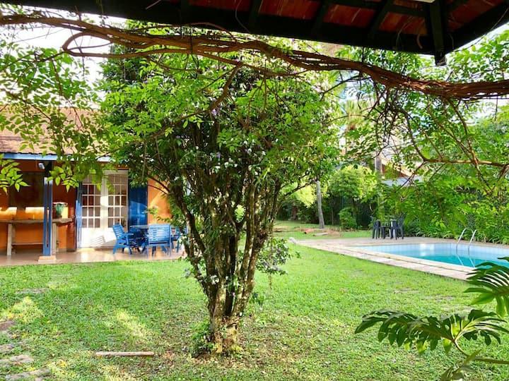 Suite no jardim c/ piscina metro alto da boa vista
