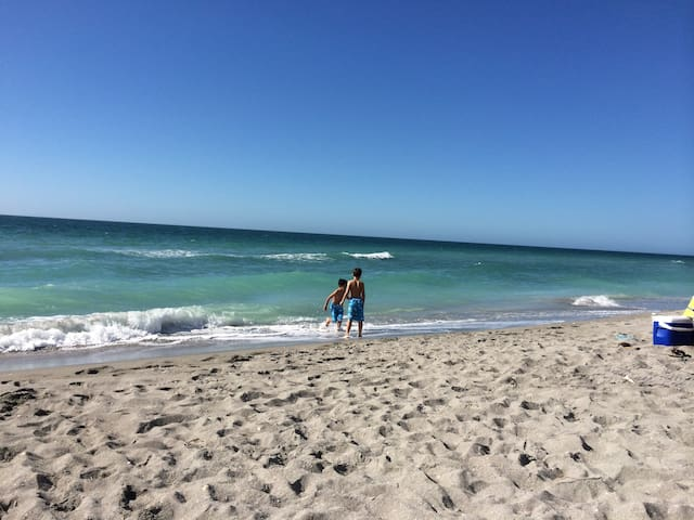 Min to Siesta & Turtle Beaches Tropical paradise
