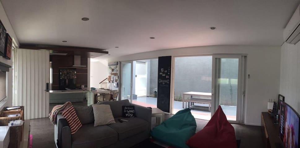 3 Bedroom Home in Ozone