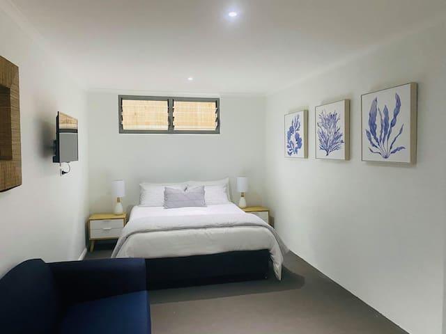 Bedroom 4 - Queen + double sofa couch and en suite