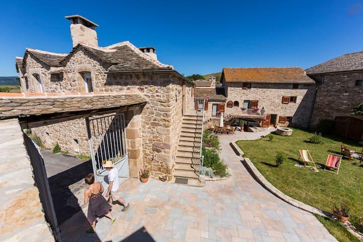 Maison d'hôtes Les Caselles - Millau - Saint-Beauzély - Konukevi