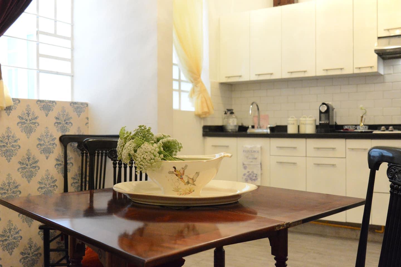 VRBO Mexico City: Vintage style kitchen