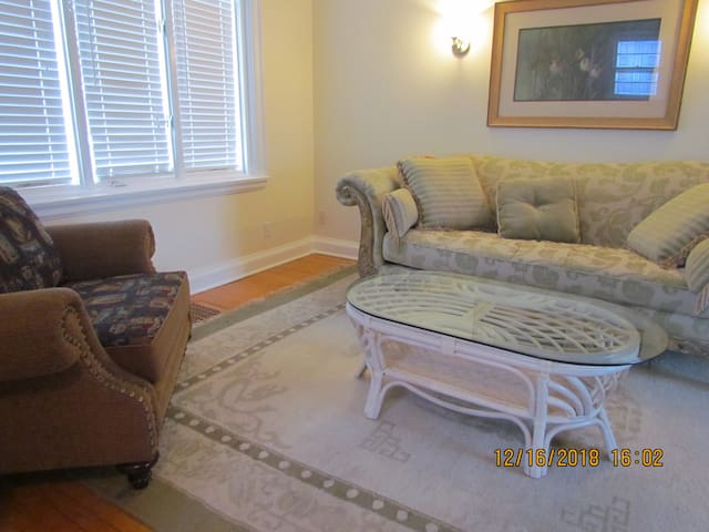 A bedroom in Lovely Main street home