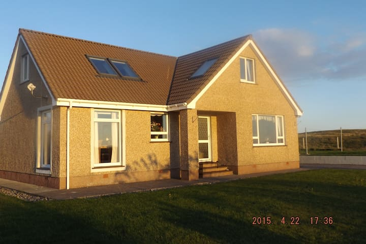 North Uist Balranald View Vacation Home