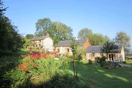 Historic Farmhouse in 5* secluded Tyddyn Retreat - Carno
