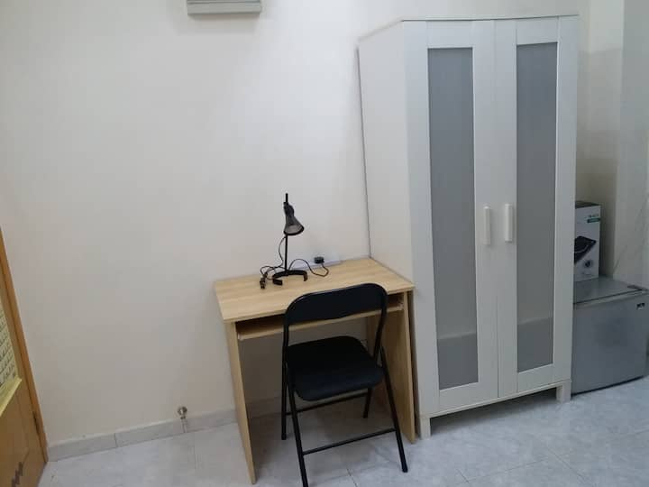 Excellent and Comfort Sheung Wan Studio (SW20A)