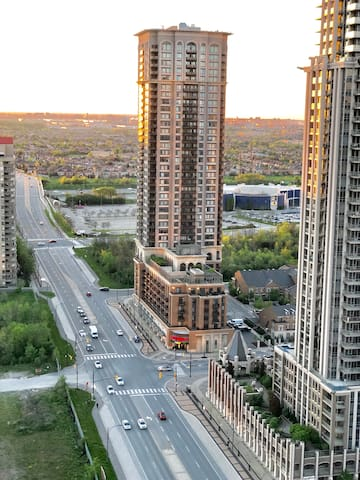 BALCONY VIEWS OF DOWNTOWN MISSISSAUGA
