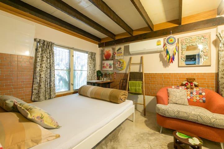 Private Cozy Room (Free Breakfast) 20 mins to DMK