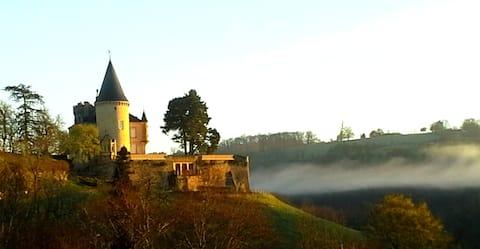 """""""PETIT PARADIS"""" au coeur de la Dordogne"""